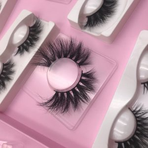 how to make fake eyelashes look better