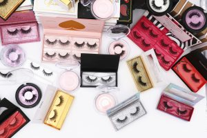 Advantages of opening a fake eyelash shop online