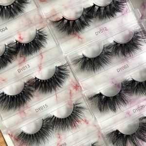 HOW TO START YOUR OWN LASH BRAND
